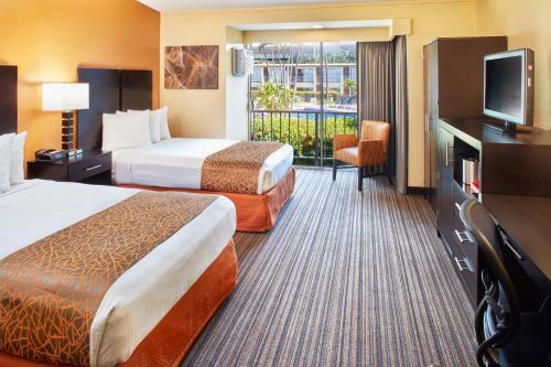 Best Western The Plaza Hotel - Free Breakfast - Honolulu, HI HI 96819