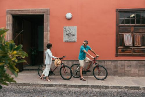 Esteban de Ponte, 32, 38450, Garachico, Tenerife, Canary Islands, Spain.