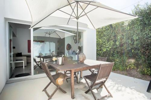 Melro's Places, Pension in Sesimbra