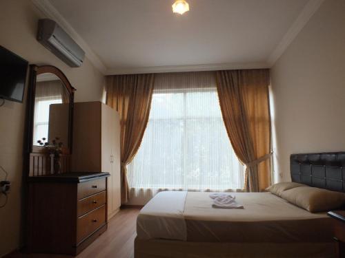 Hotel Uyar Palace