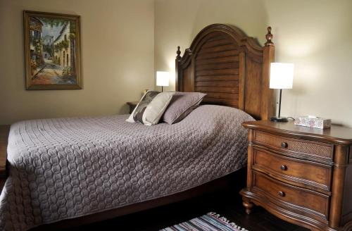 Centennial House Bed And Breakfast - Jordan, ON L0R 1S0