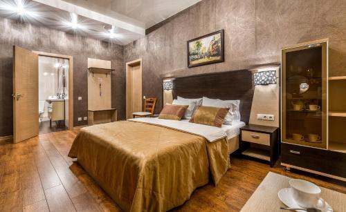 . Hotel Bravo Lux