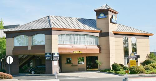 Days Inn By Wyndham Rocklin/Sacramento