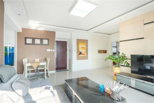 . Changdao Yuehai Holiday Seaview Apartment