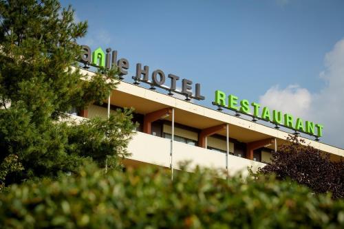 فندق ومطعم كامبانيلي روتردام أوست