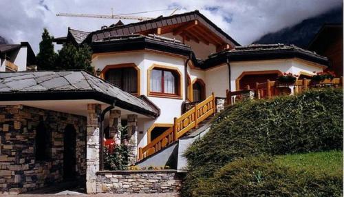 . Villa Octogon