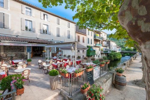 . Hotel Restaurant des Maures