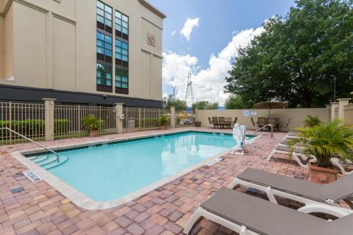 Wingate By Wyndham - Universal Studios And Convention Ctr - Orlando, FL 32819