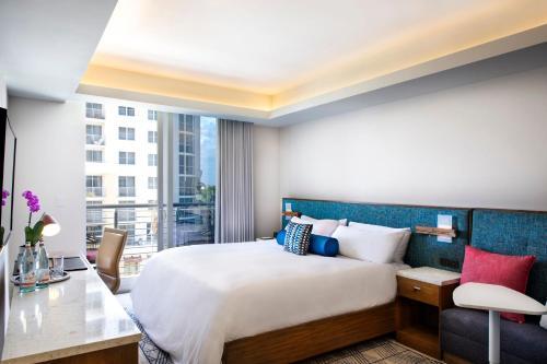 Circ Hotel - Hollywood, FL 33020