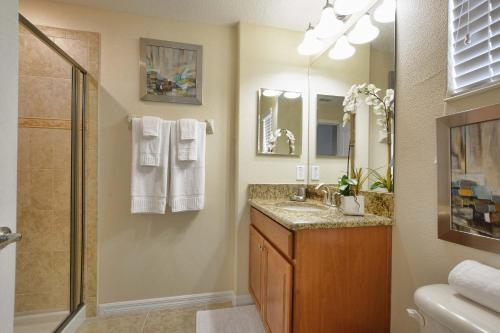 Five Bedrooms Townhome With Pool 4849 - Kissimmee, FL 34746