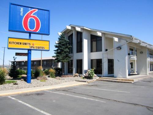 Motel 6 Madras