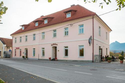 St. Hubert Hunting Lodge