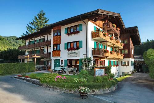 . Concordia Apartments
