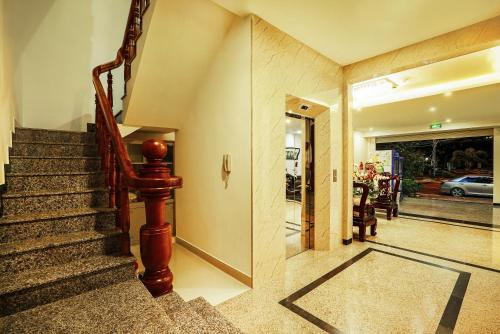 Thanh Thanh Hotel - Photo 8 of 48