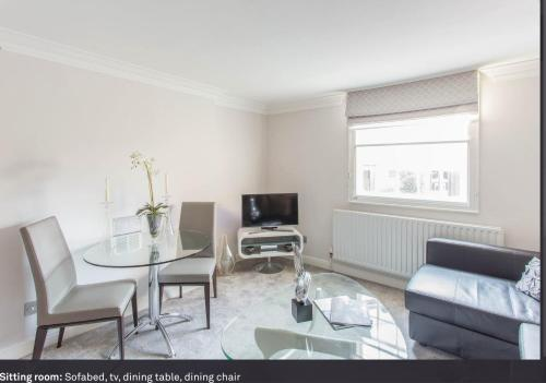 Picture of Heart of Mayfair - Stunning Apartment