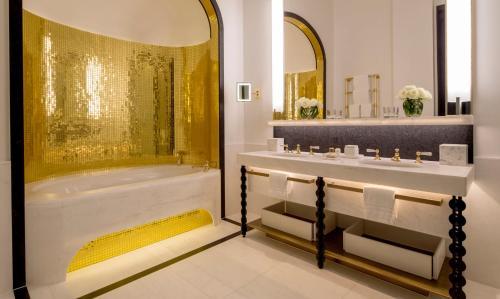 Four Seasons Hotel London at Ten Trinity Square photo 33