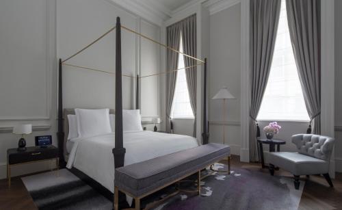 Four Seasons Hotel London at Ten Trinity Square photo 37