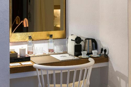 Superior Double Room S'Hotelet d'es Born - Suites & SPA 8