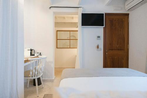Superior Double Room S'Hotelet d'es Born - Suites & SPA 6
