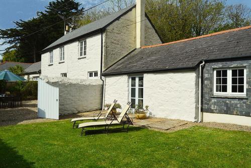 Mews Cottage, Mullion, Cornwall