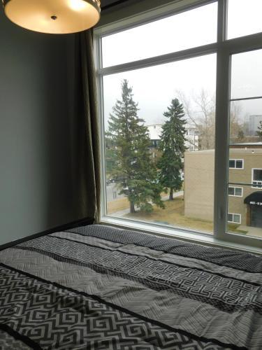 3 Bedroom House #37 Sunalta Downtown - Calgary, AB T3C 1C1