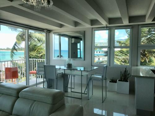 . Amapola SeaSide Beach Front Apartment
