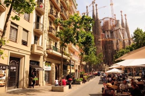 Gaudi Sagrada Familia (B&B)