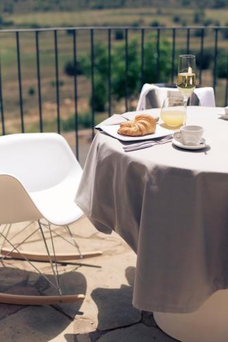 Superior Double or Twin Room Hotel Restaurante Masía la Torre 41