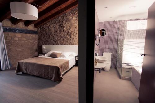 Superior Double or Twin Room Hotel Restaurante Masía la Torre 34