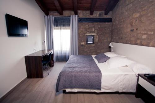 Superior Double or Twin Room Hotel Restaurante Masía la Torre 20