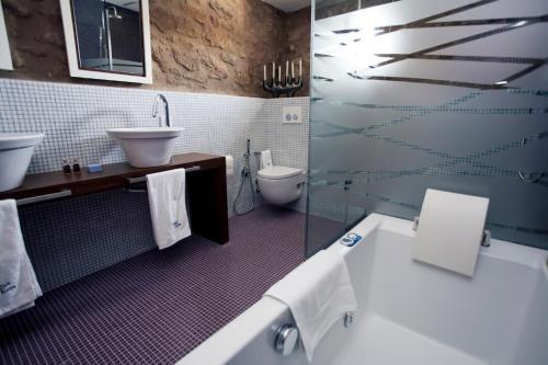 Superior Double or Twin Room Hotel Restaurante Masía la Torre 24