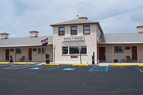 Pier One Motel & Marina - Toms River, NJ 08753
