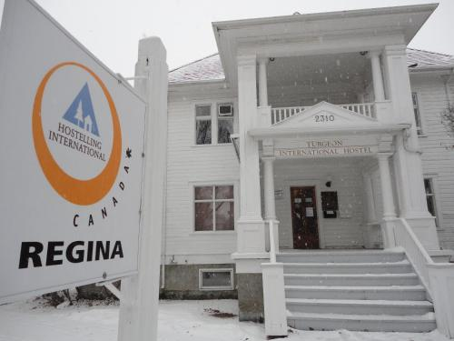 Hostelling International Regina (B&B)