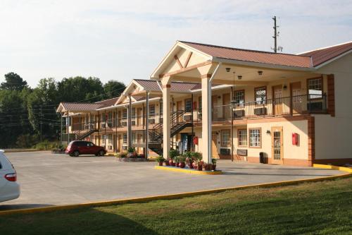 Coach Inn - Summerville - Summerville, GA 30747