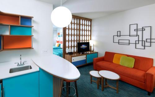 Universal's Family Suites at Cabana Bay Beach Resort room photos