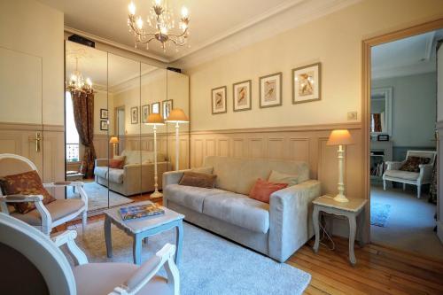 Chambre d hôte : Louvre Elegant Apt Suite photo 28