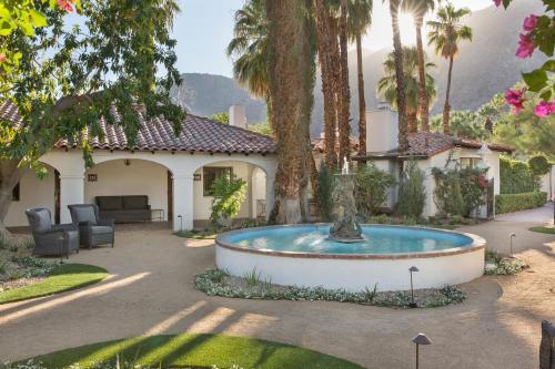 200 W Ramon Rd, Palm Springs, CA 92264, USA.