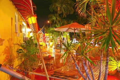 Villa Sinclair Beach Suites And Spa - Hollywood, FL 33019