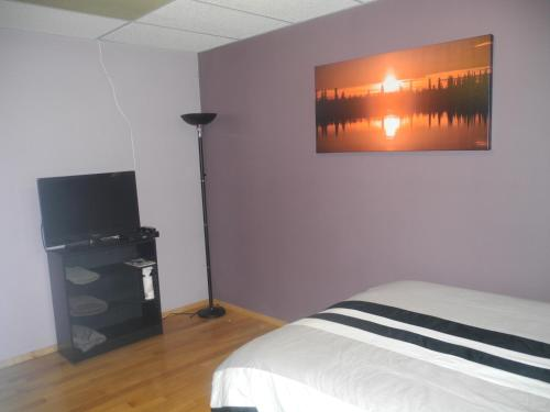 Range Lake Bed & Breakfast - Yellowknife, NT X1A 3A5