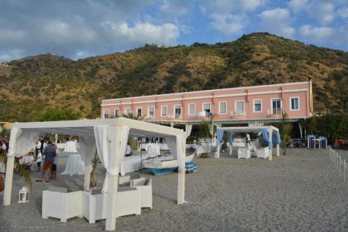 . Hotel Ristorante La Scogliera