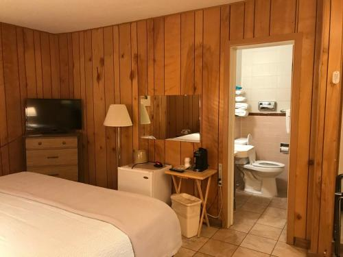 White Eagle Inn & Vacation Rental - Cortez, CO 81321