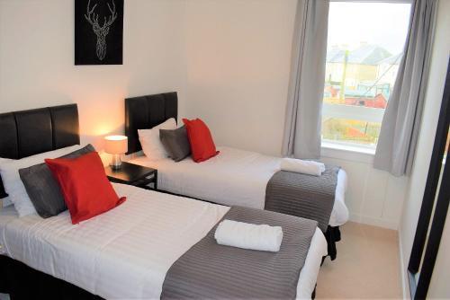 . Kelpies Serviced Apartments MacGregor- 2 Bedrooms