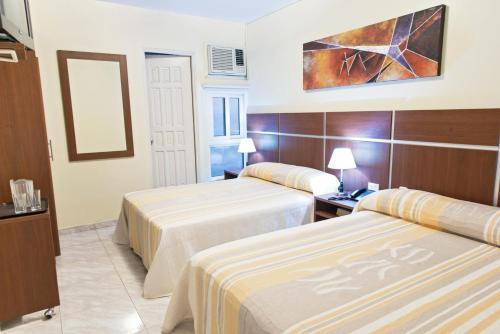 Hotel Benidorm Panama room photos