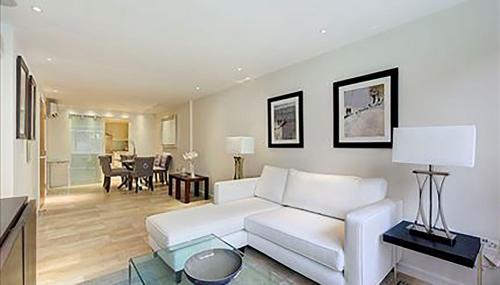Hyde Park Queen Apartments photo 9