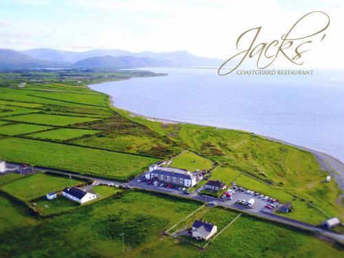 . Jacks' Coastguard Cottage Vacation home