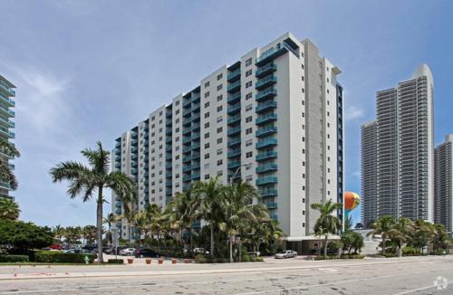 Sian Hollywood Beach By Alquilaorlando - Hollywood, FL 33019