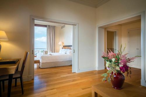 Junior Suite with City View Gran Hotel La Florida G.L Monumento 13
