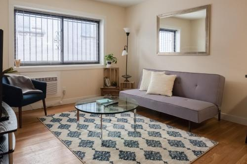. 1 BR Apt Near Marquette University by Frontdesk