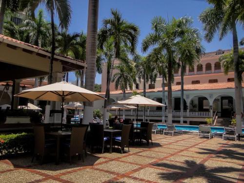 HotelEL PRADO HOTEL