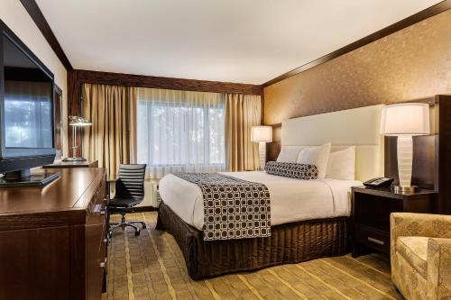 Crowne Plaza Hotel Foster City-San Mateo - San Mateo, CA CA 94404